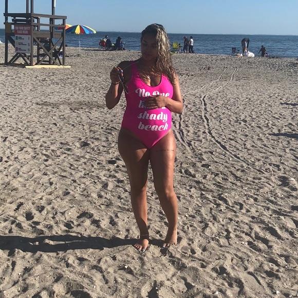 b512136995 No one likes a shady beach swimsuit. M_5b434edd2e14781c30a51f1a
